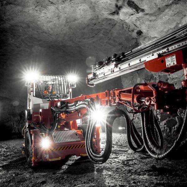 新山特维克 DT912D 为地下矿物挖掘提供智能效率