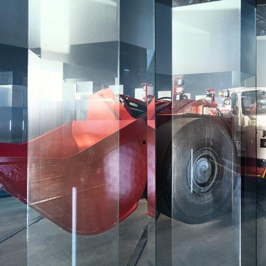 山特维克自动化LHD在玻璃迷宫中证明了其精度