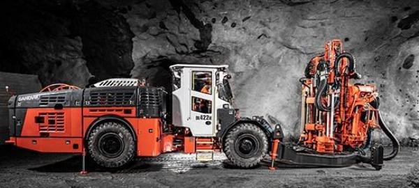 山特维克扩大电池电范围与新的顶锤长孔钻